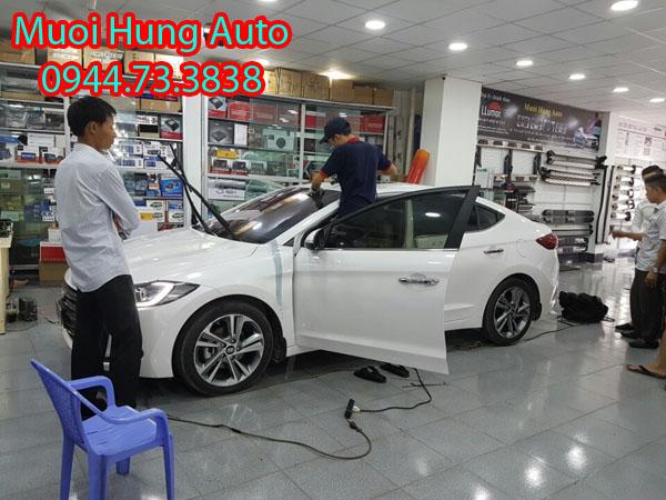 dán film cách nhiệt 3M xe Hyundai Elantra
