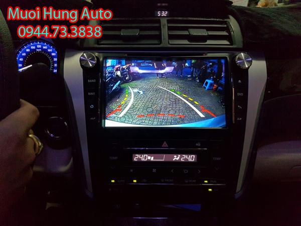 lắp đặt camera lùi, camera tiến xe Toyota RAV4 tại HCM