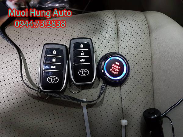lắp chìa khóa thông minh xe Toyota Siena