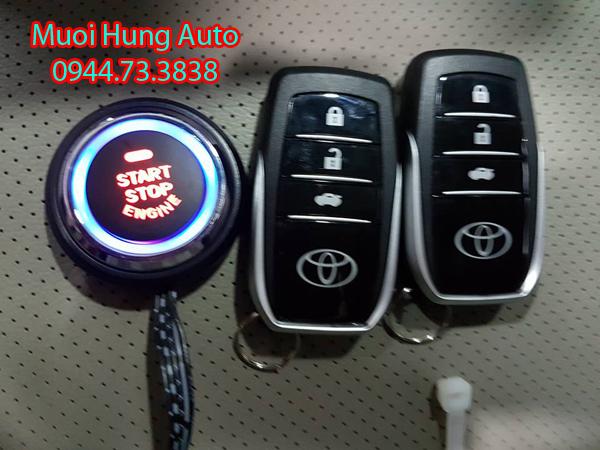 lắp đặt chìa khóa thông minh xe Toyota Siena