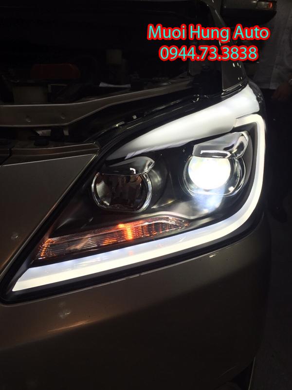 Lắp đèn xenon theo xe Toyota Innova