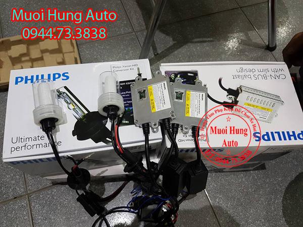 Gắn bóng đèn Xenon chính hãng Philips xe Hyundai Santafe