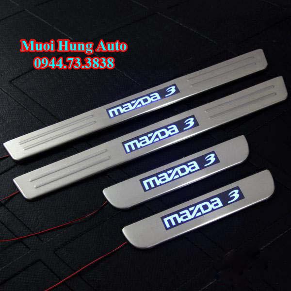 phụ kiện trang trí theo xe Mazda 3