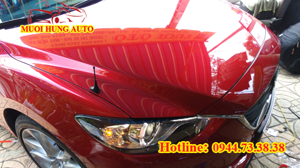 Phủ nano bóng xe Mazda 6