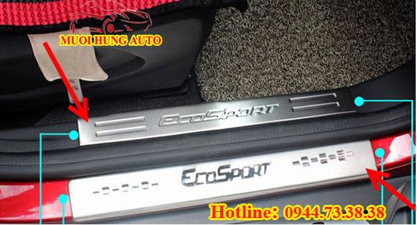 lắp đặt viền chân kính Ford Ecosport