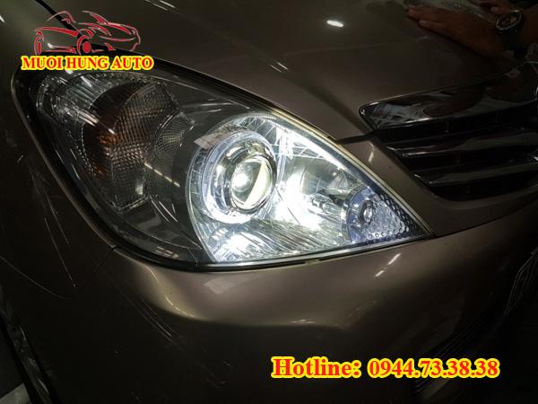 độ đèn pha xe Toyota Innova cao cấp