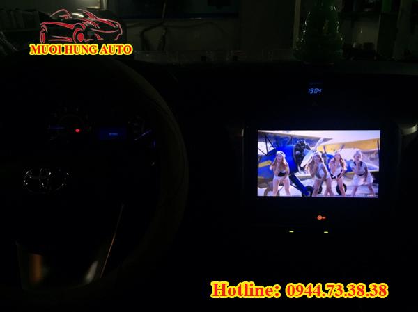 Gắn màn hình DVD xe Kia Rondo 10 inch