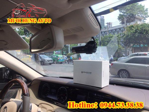 lắp đặtcamera hành trình cho xe Toyota Camry