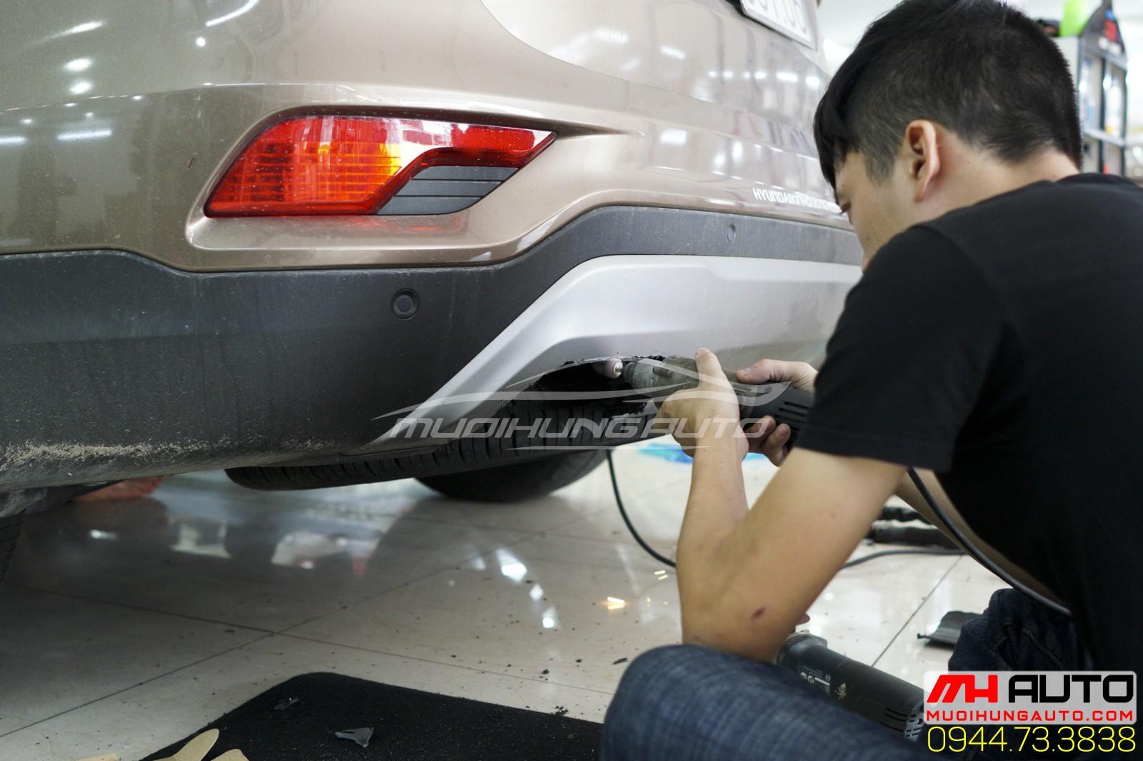 gọt đuôi Hyundai Santafe