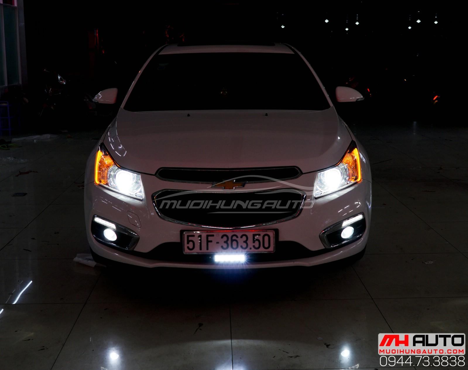 Độ bi xenon Chevrolet Cruze