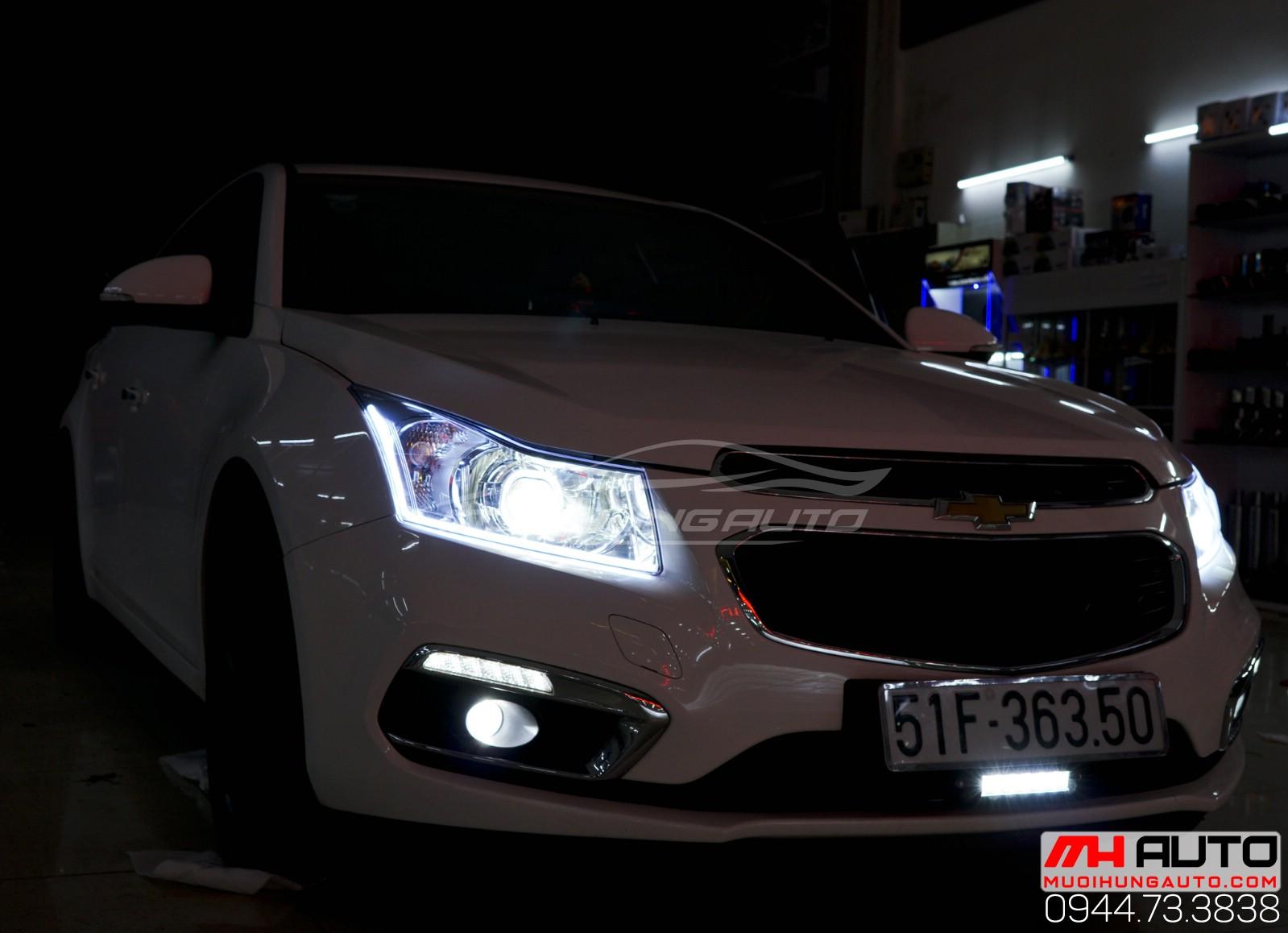 Độ đèn Chevrolet Cruze