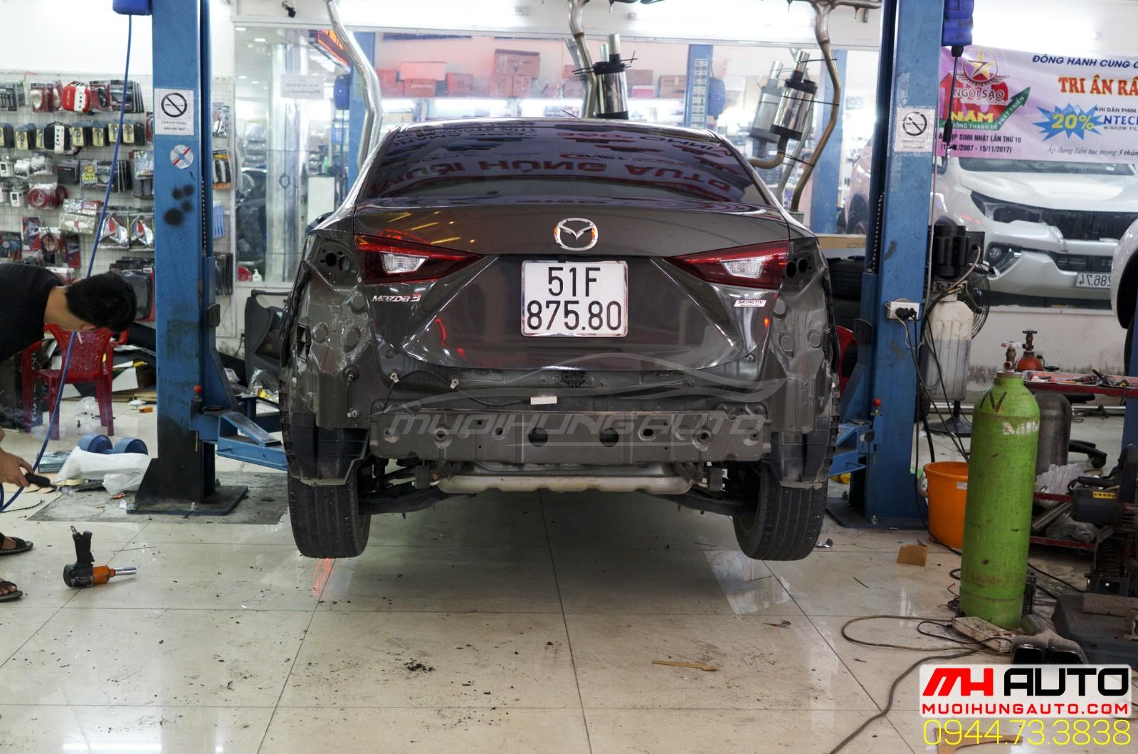 độ pô xe Mazda 3 kiểu Mercedes 1