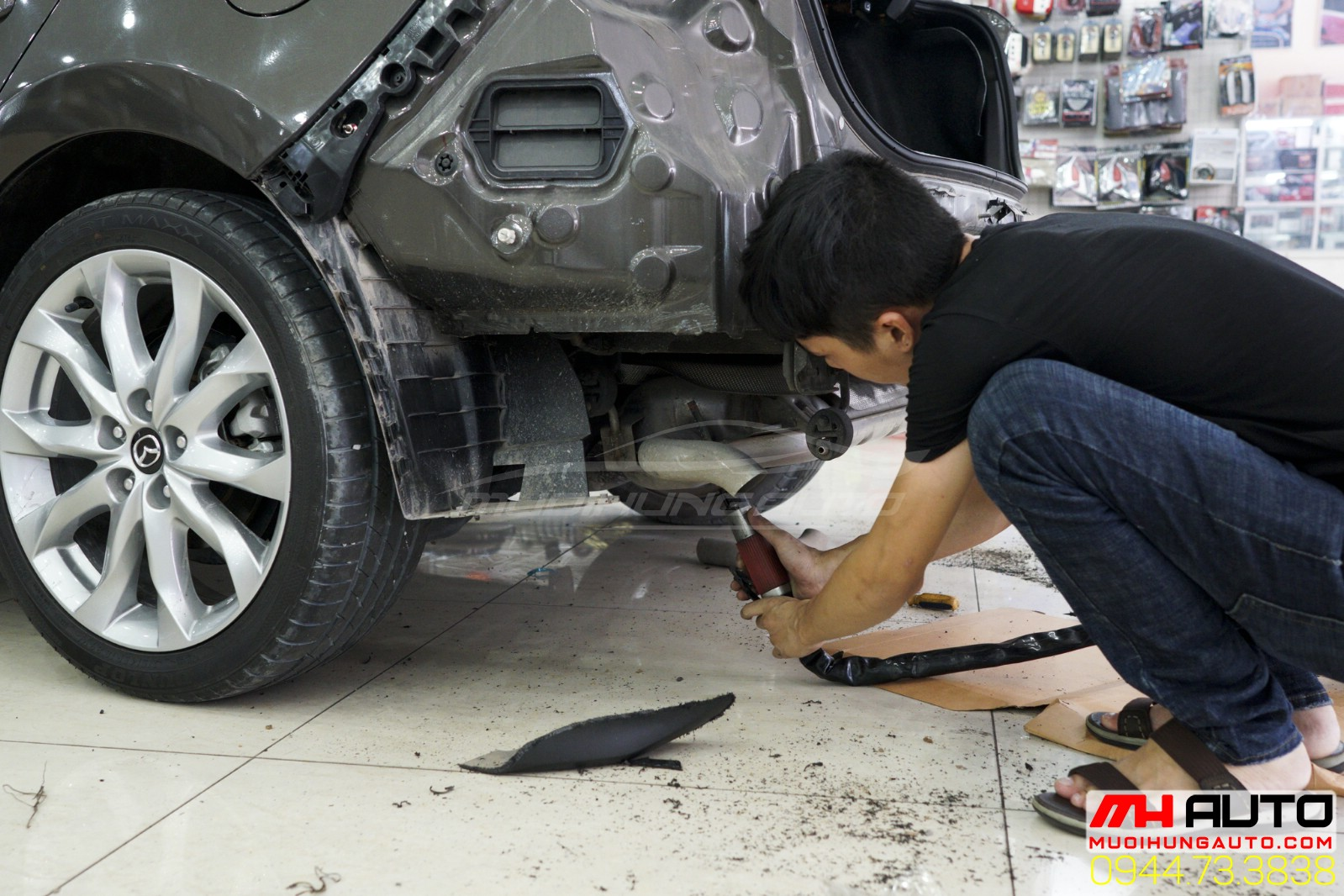 thợ độ pô xe Mazda 3 kiểu Mercedes 1