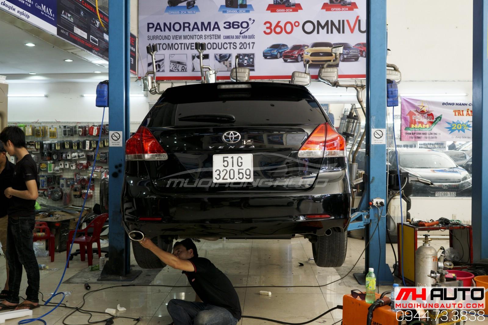 Thợ độ pô xe Toyota Venza