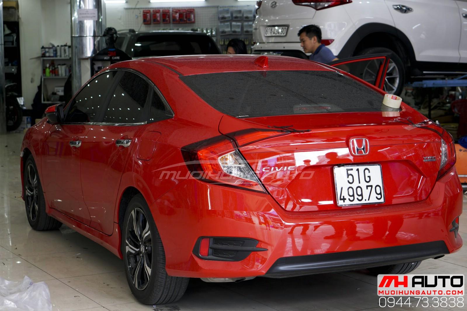 Honda Civic đỏ