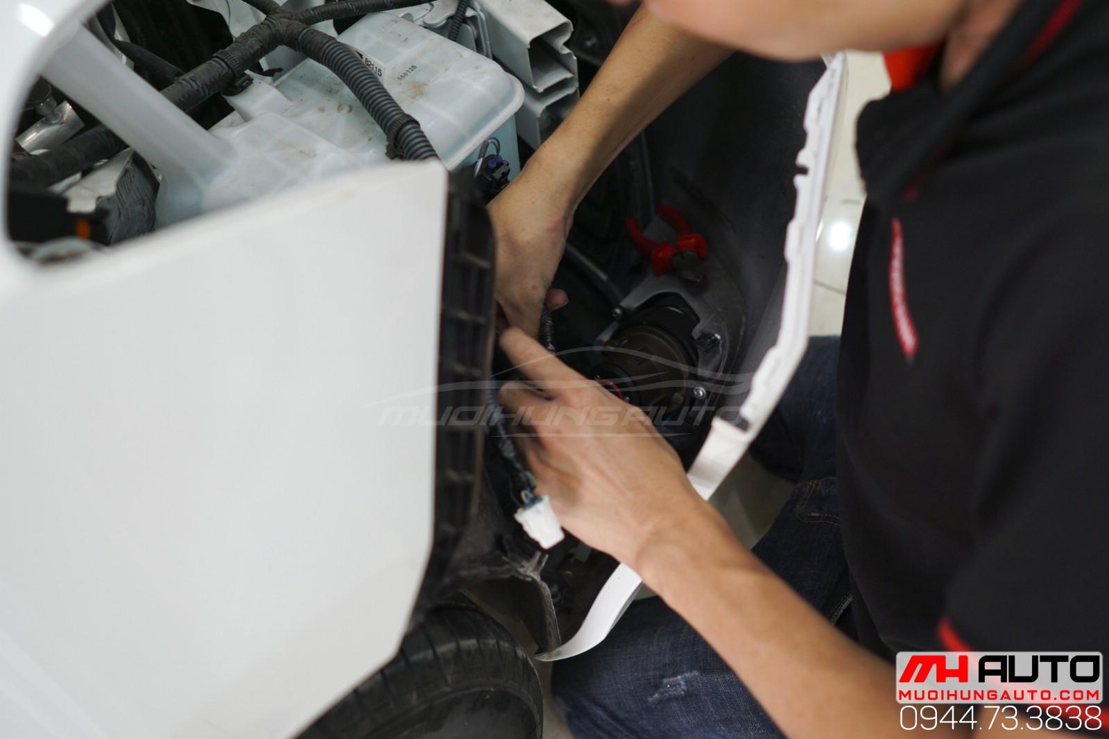 thợ độ bi xenon cản xe Toyota Vios
