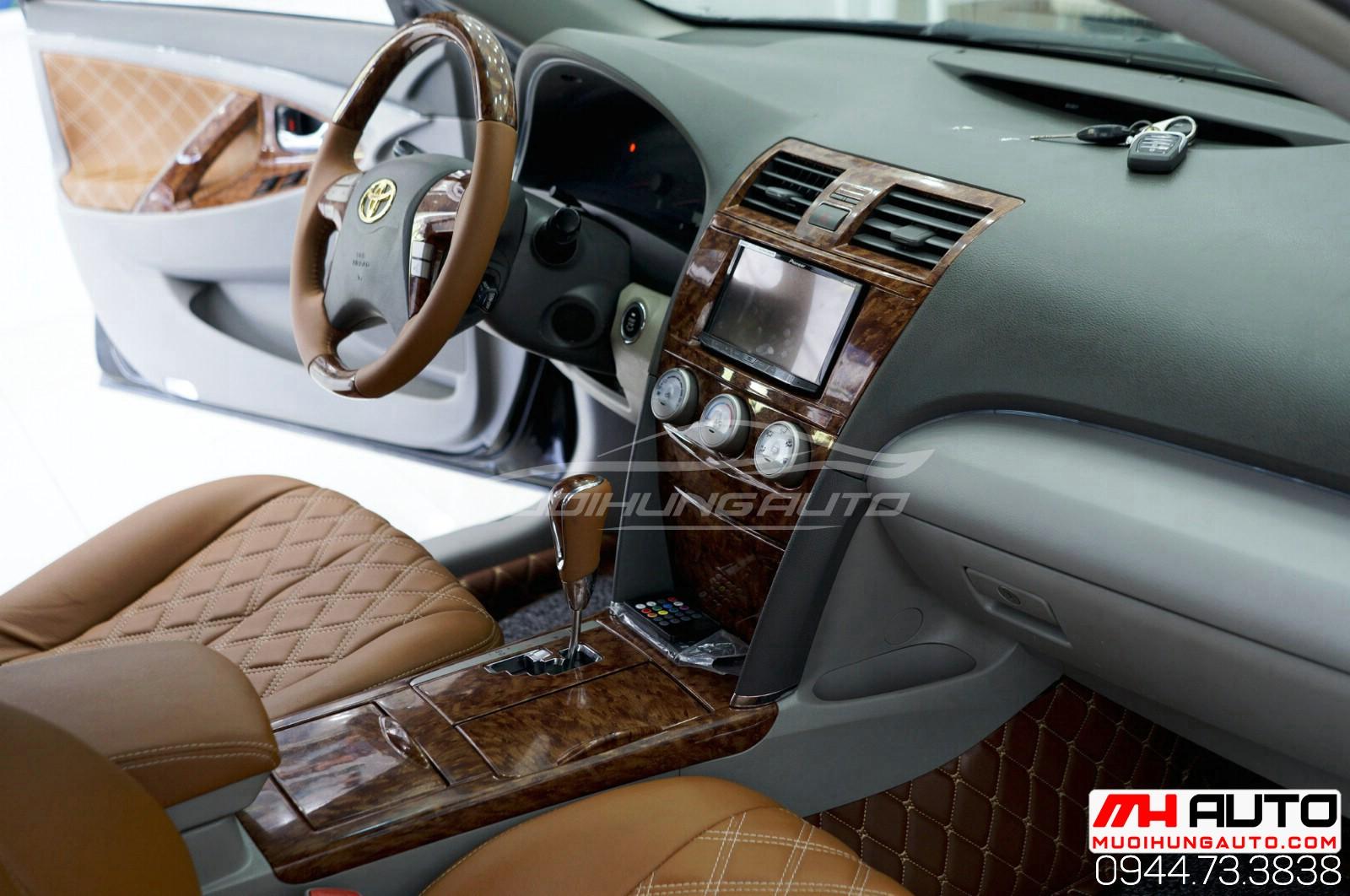 Làm mới nội thất ô tô Camry 2010