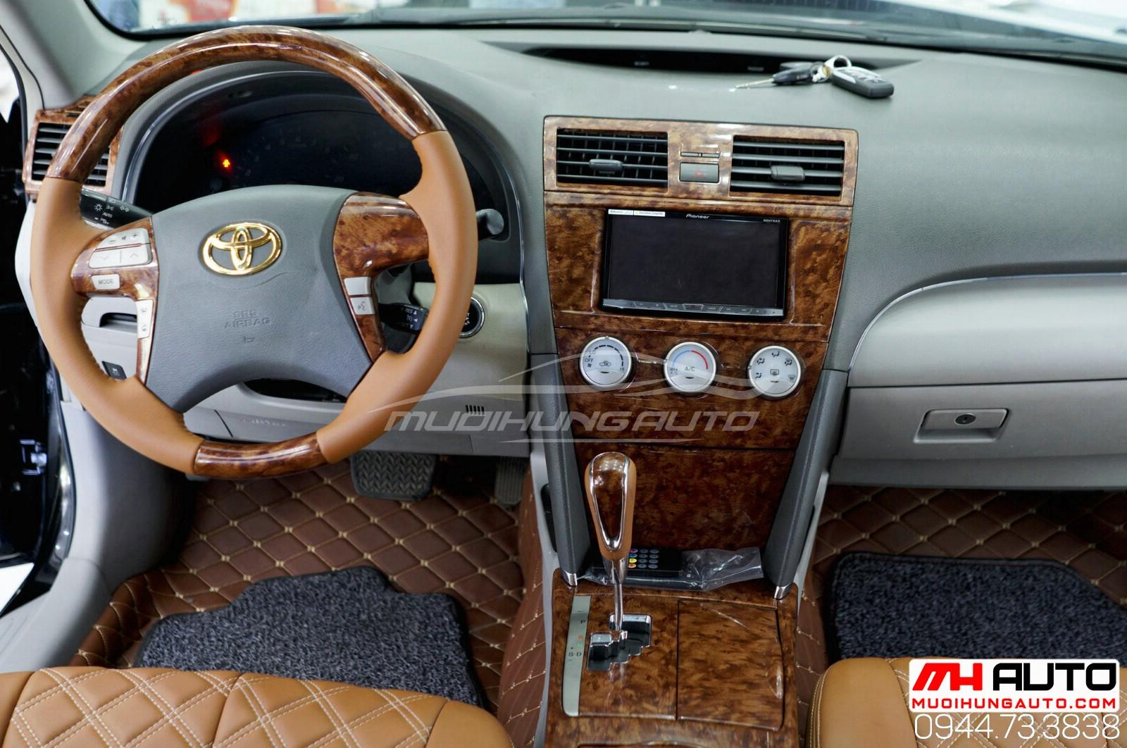 Ốp trần xe Camry 2010