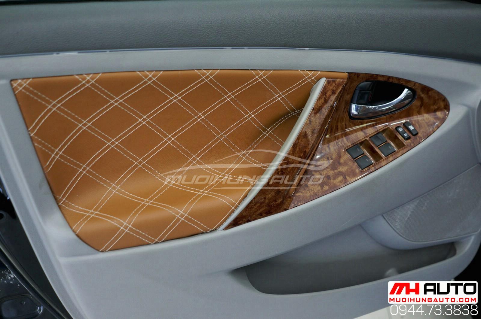 Làm mới nội thất xe Camry 2010