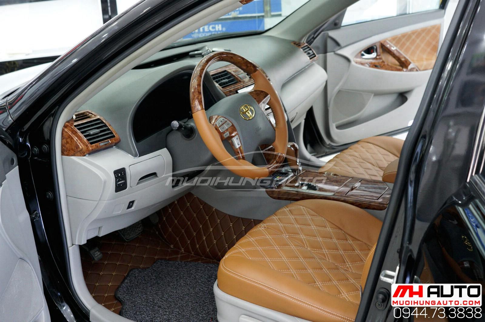 Làm mới nội thất cho xe Camry 2010