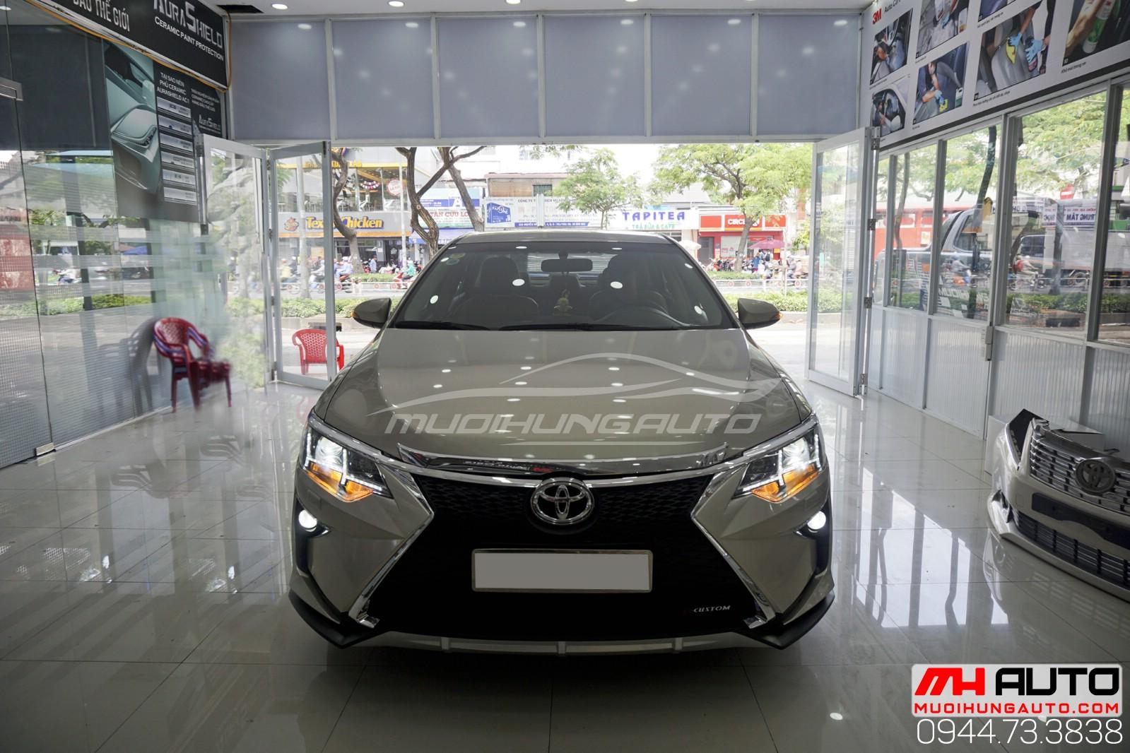 mặt trước Camry độ Lexus đời mới