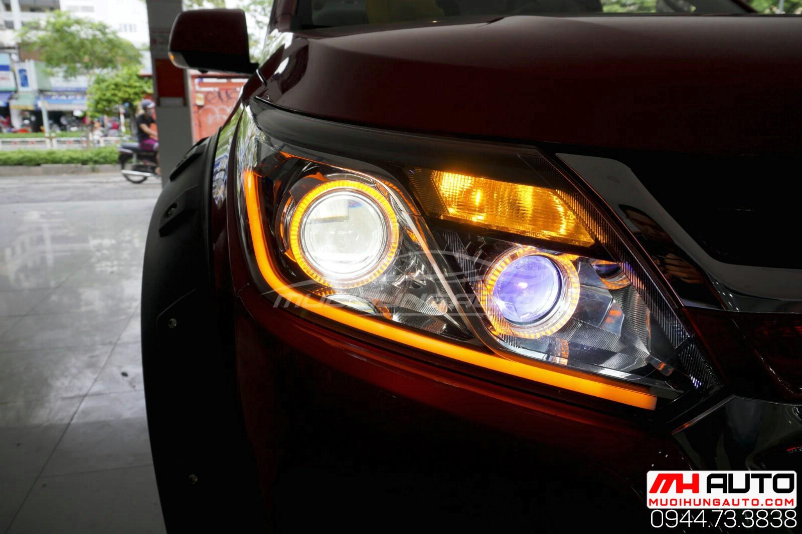 gắn đèn pha trước sau xe ô tô