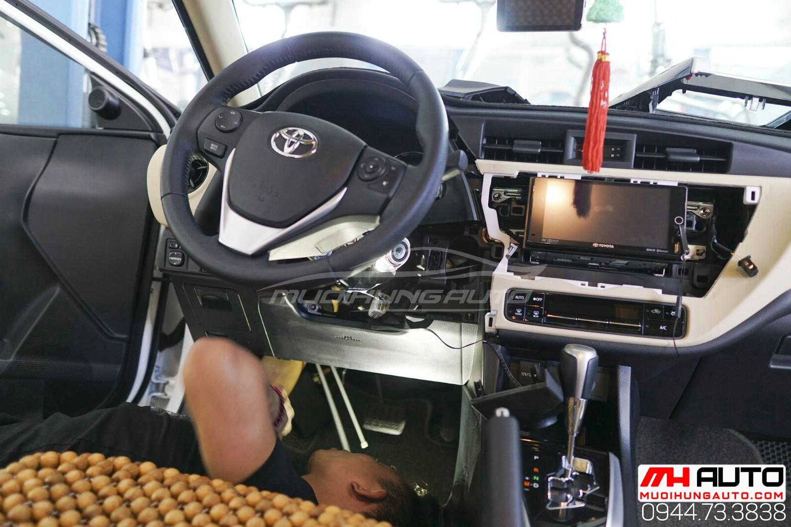 Gắn chìa khóa thông minh start stop cho xe Toyota Altis