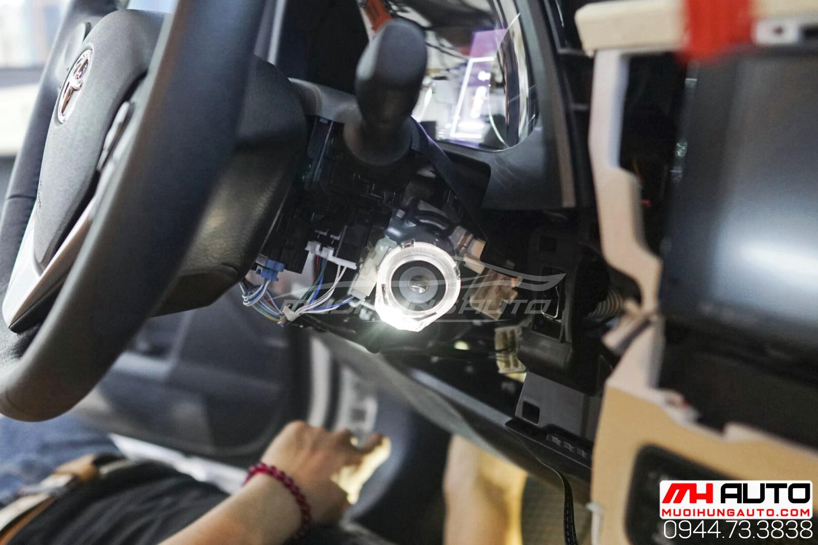 Gắn chìa khóa thông minh start stop Toyota Altis