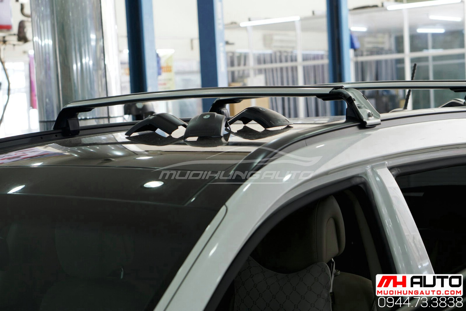 phụ kiện ba ga mui để đồ xe Hyundai Santafe 2018