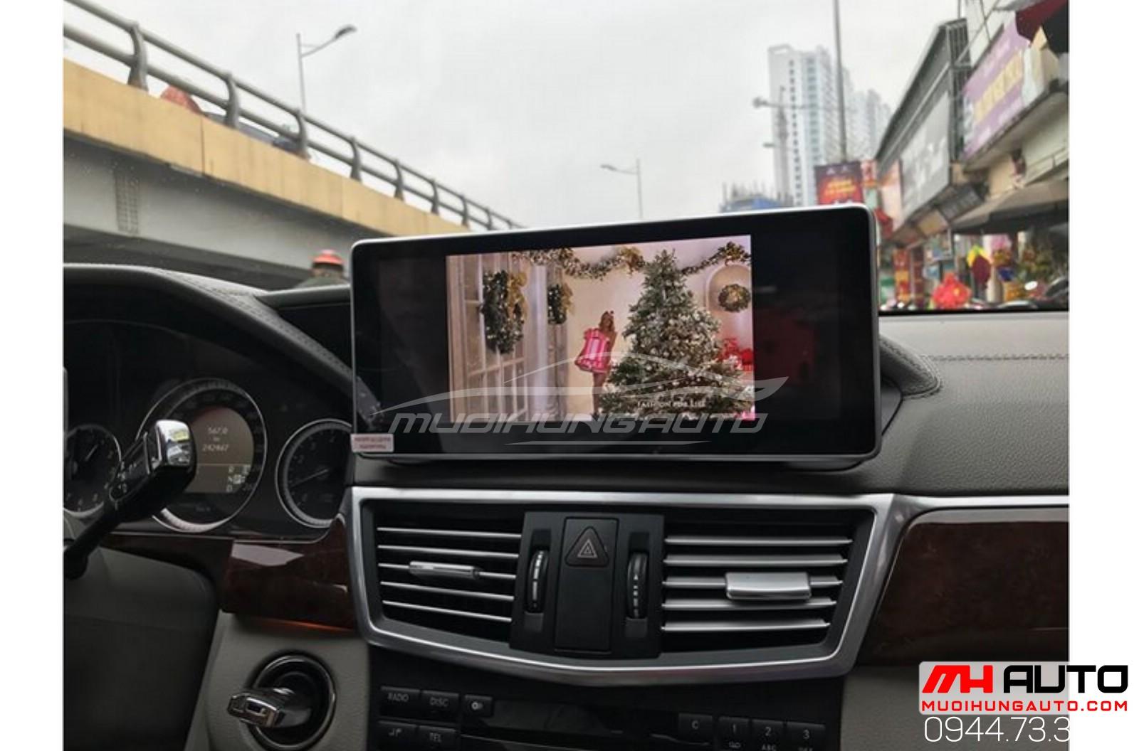 gắn màn hình cho mọi dòng xe ô tô