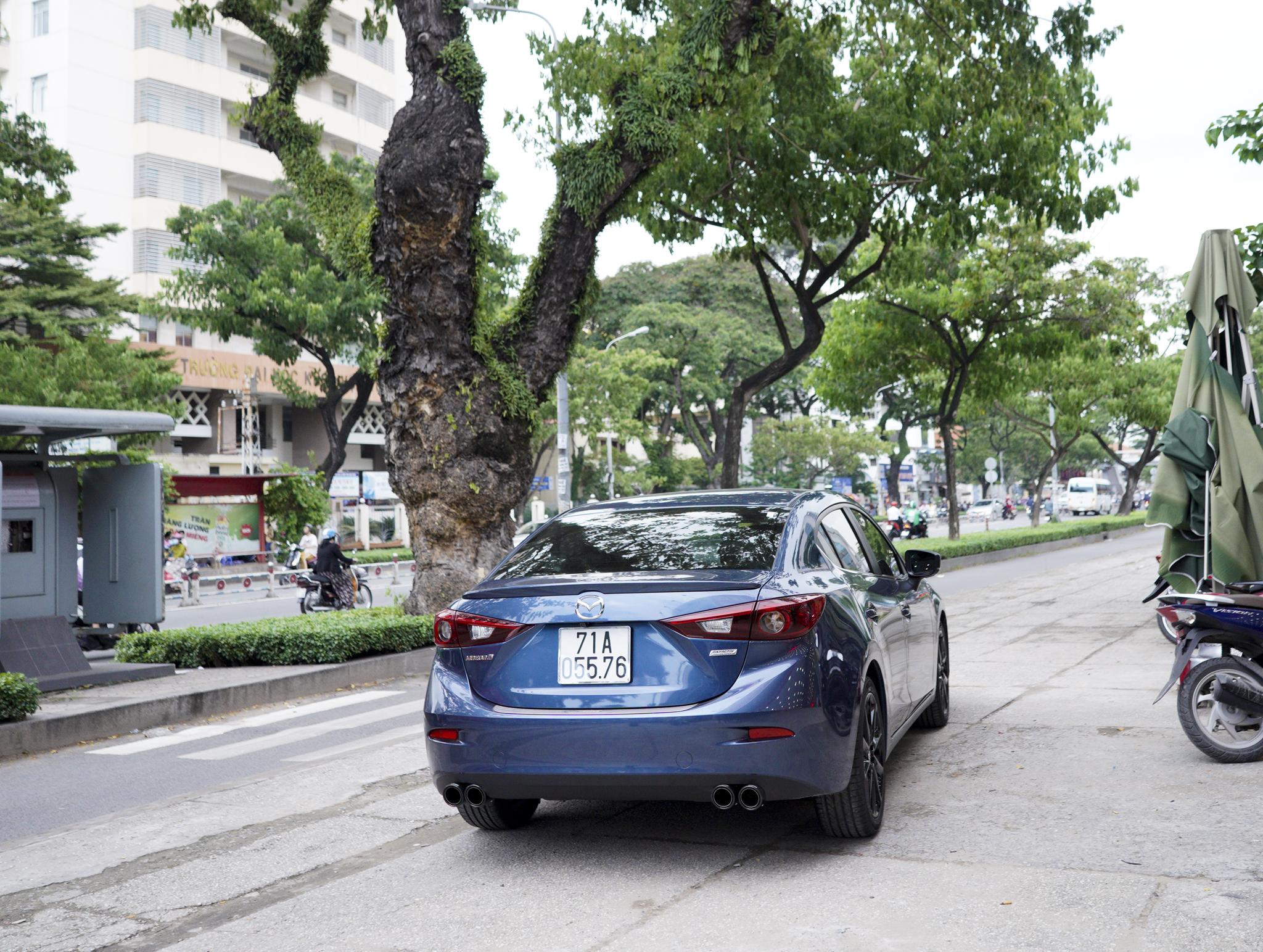 Mazda 3 pô đôi ak không lip phong cách thể thao