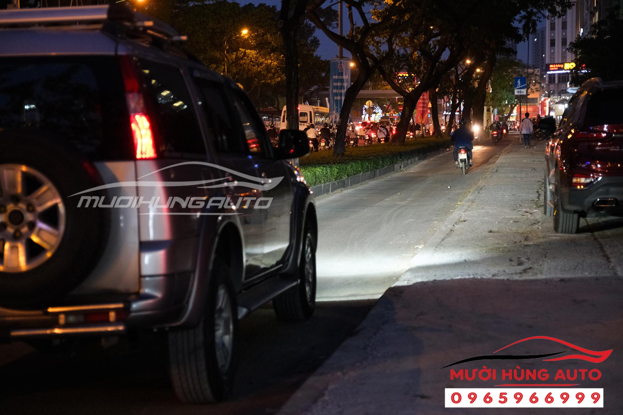 độ đèn xe Ford Evrest bi xenon siêu sáng