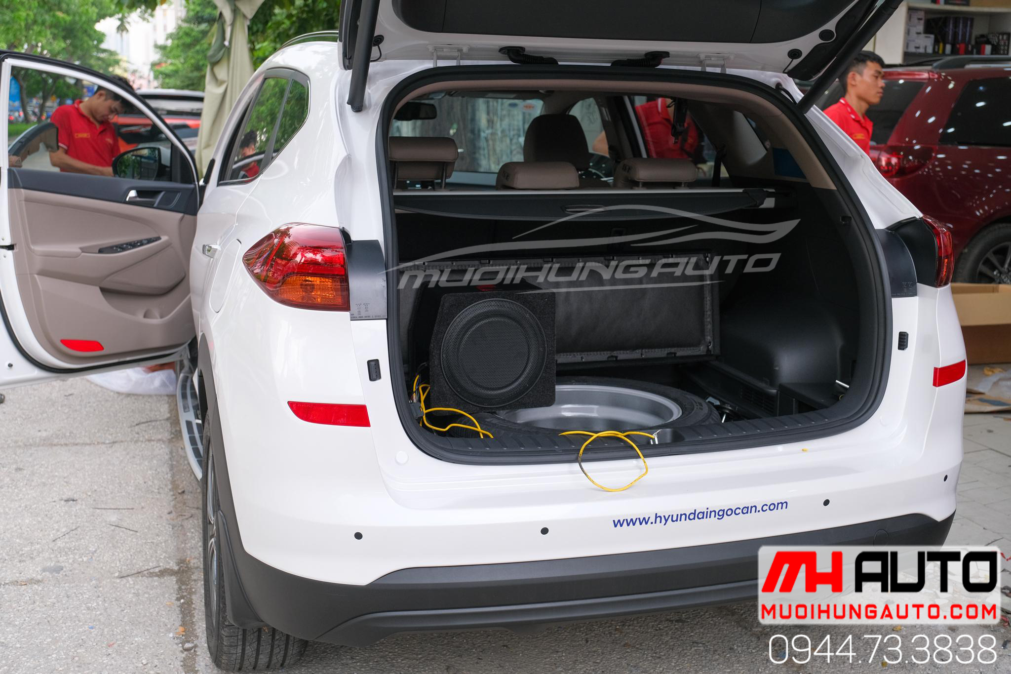 gắn sub hơi hiệu Nakamichi xe Hyundai Tucson 2019