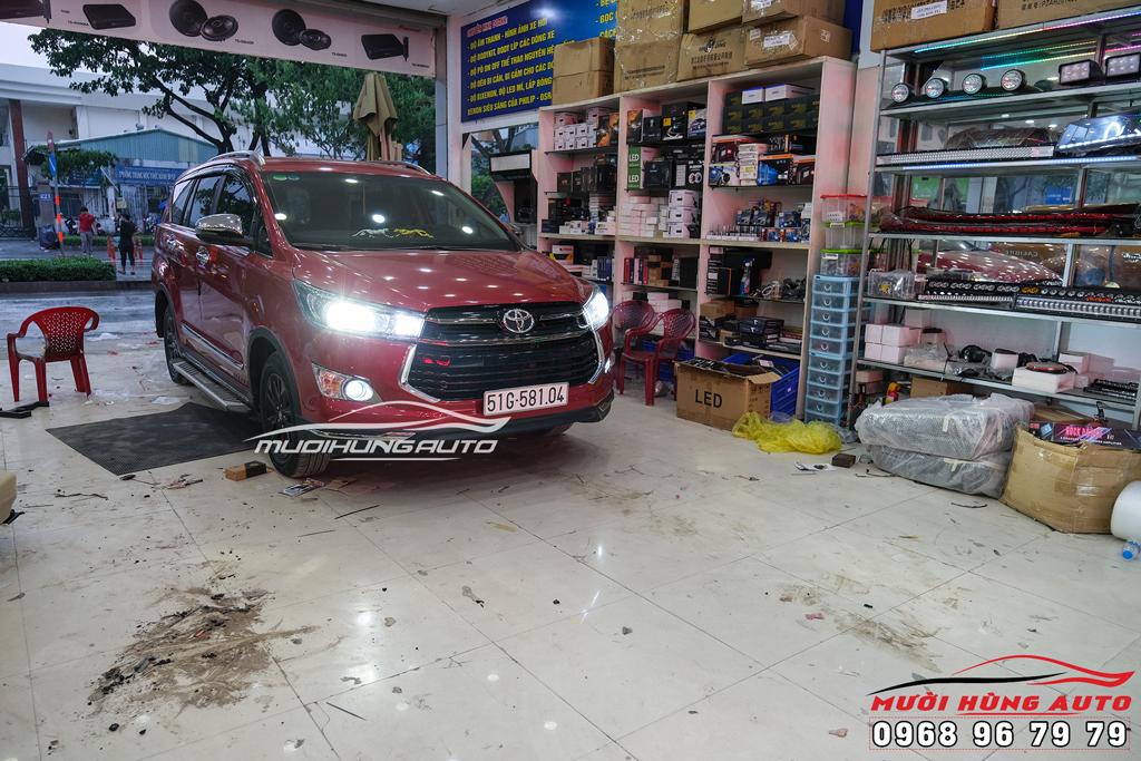 Độ bi xenon gầm xe Toyota Innova