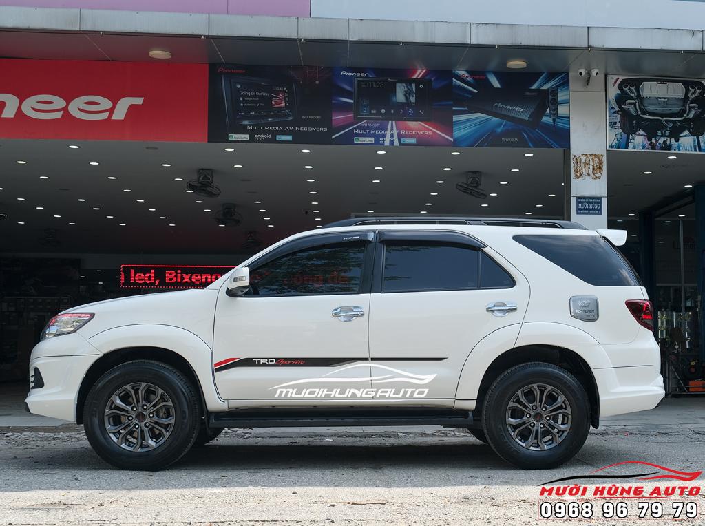Độ xe Toyota Fortuner 2013-2015 lên body đèn trước sau pô mâm