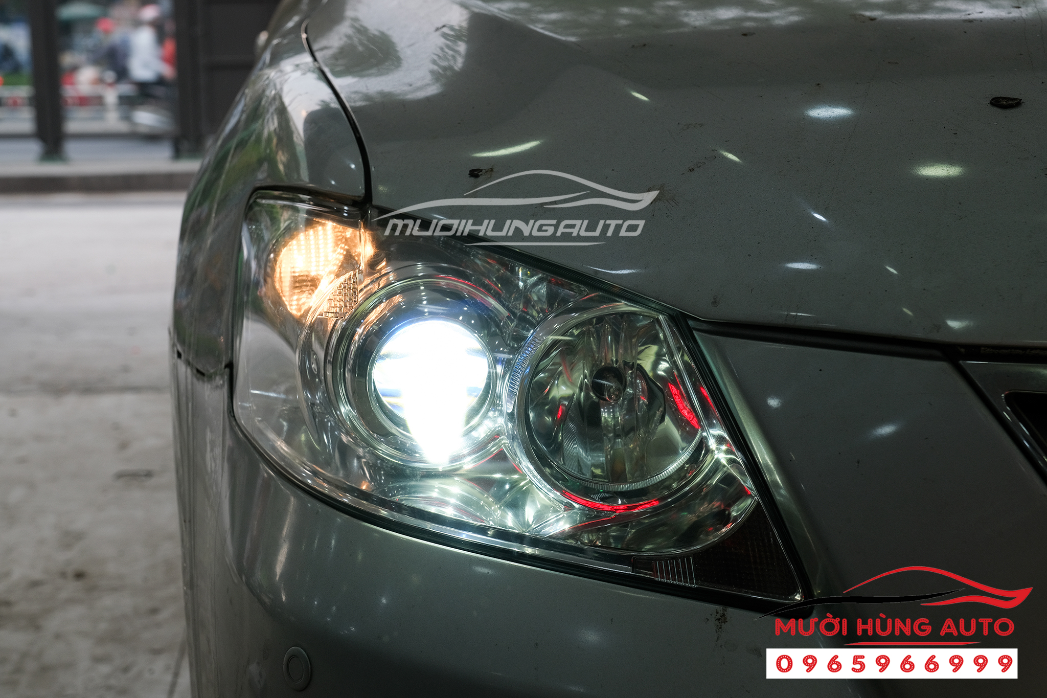 Độ bi Domax bên Cos xe Toyota Camry 2009